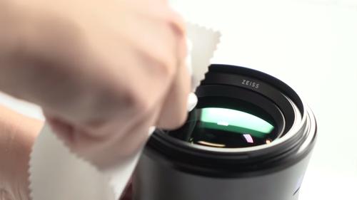 Vệ sinh ống kính máy ảnh an toàn, hiệu quả