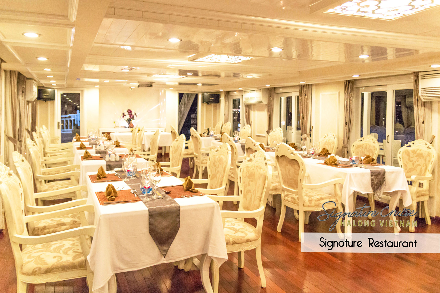 Restaurant on Signature HaLong Cruise