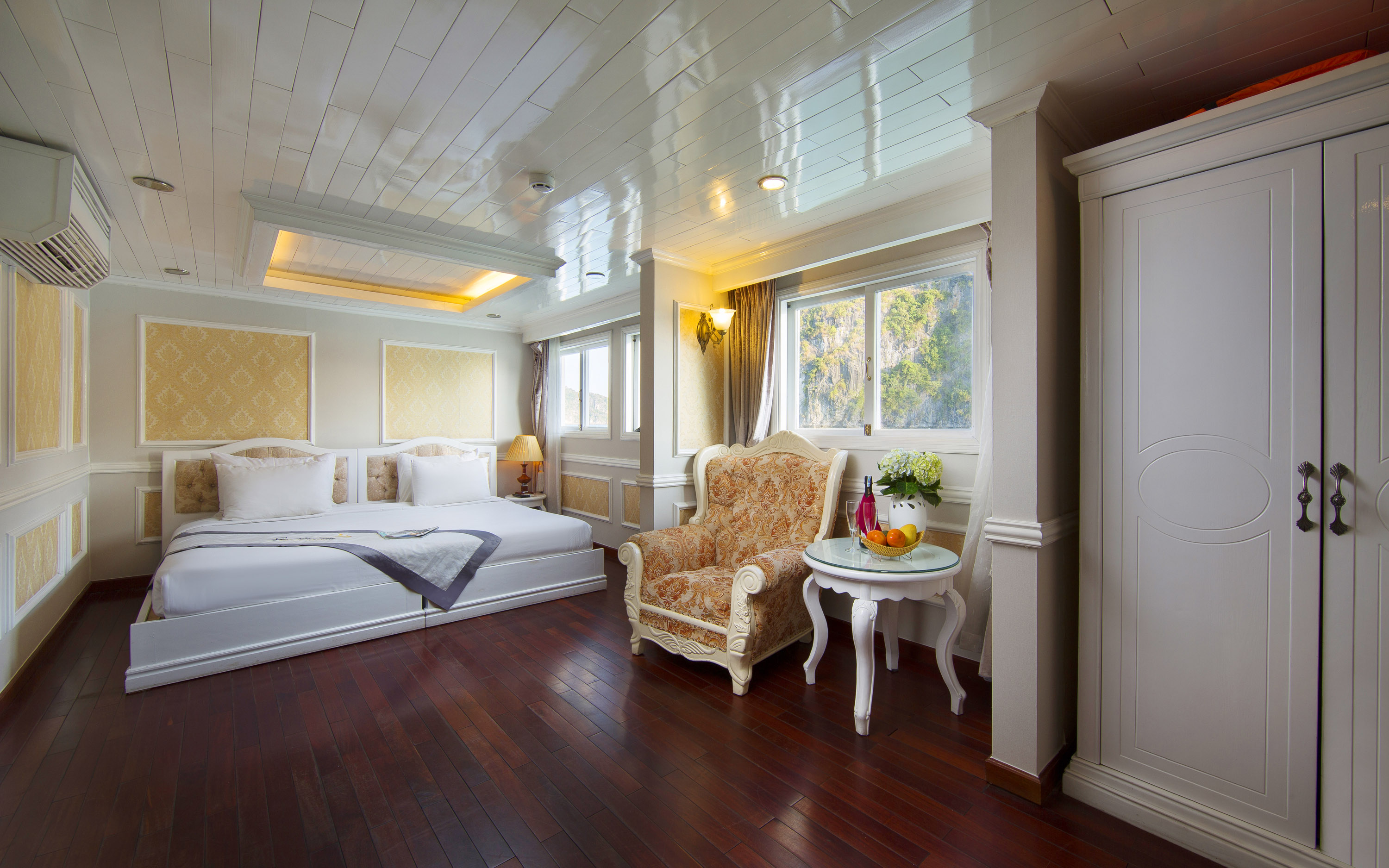 Signature Suite in Signature Halong Cruise