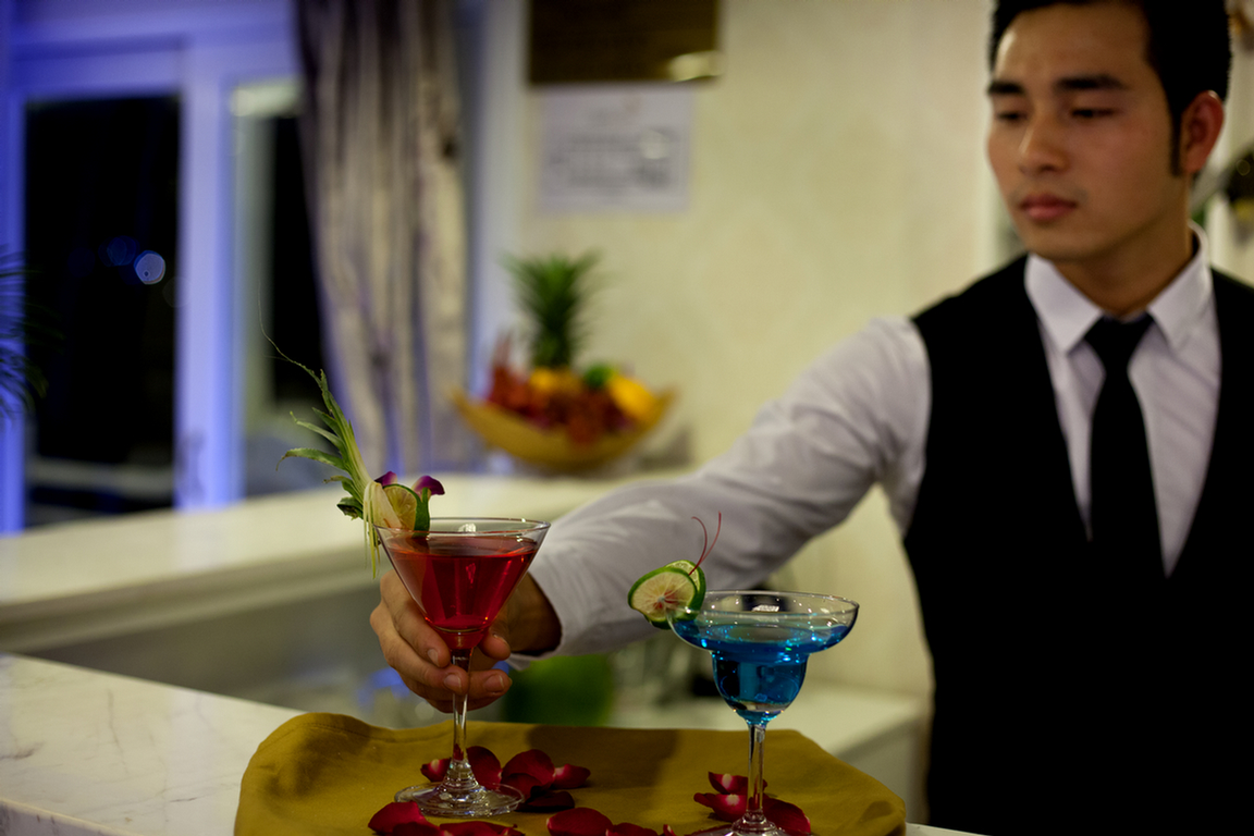Happy Hour In Signature Ha Long Cruise