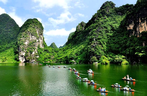 Islands in Halong Bay