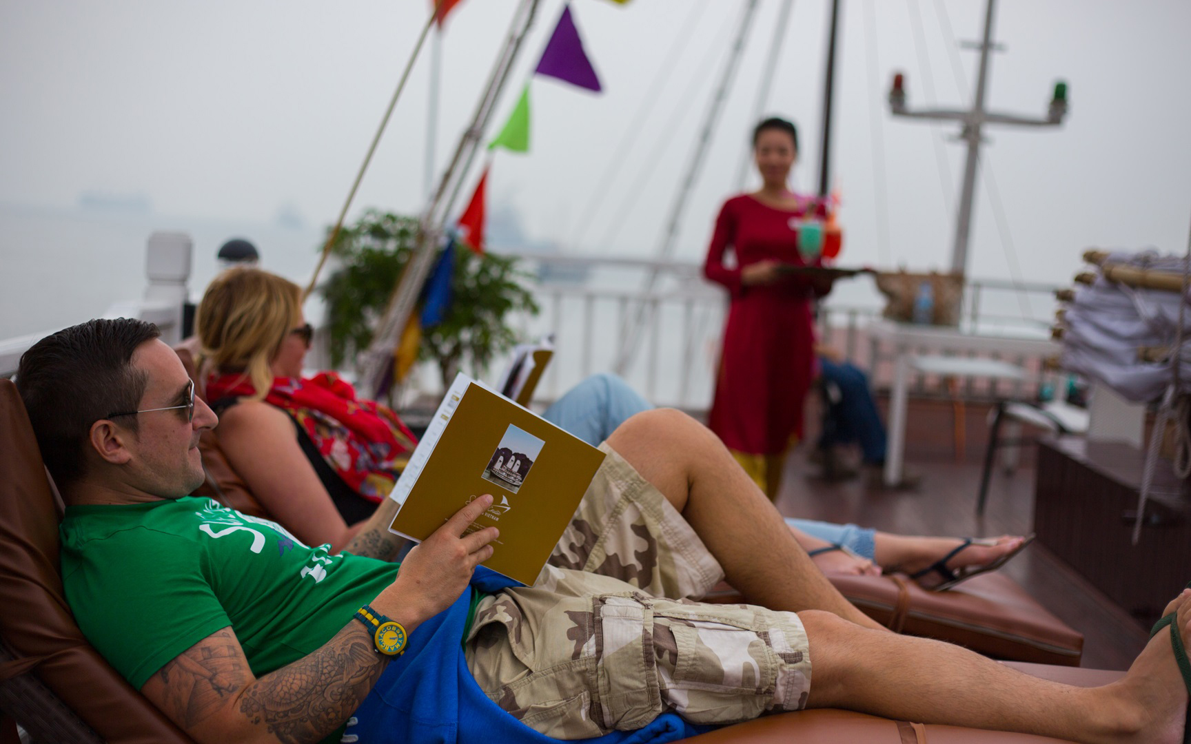 sundeck-on-signature-halong-cruise