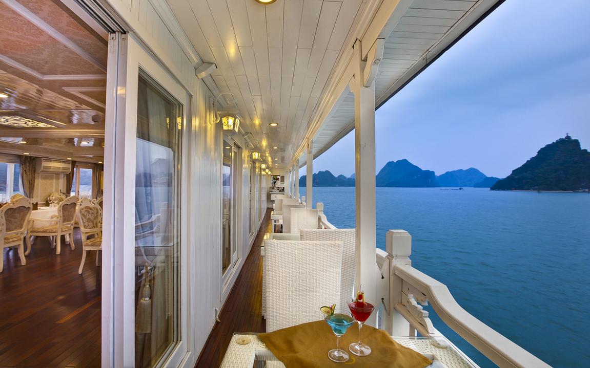 Corridor on Signature Halong Cruise