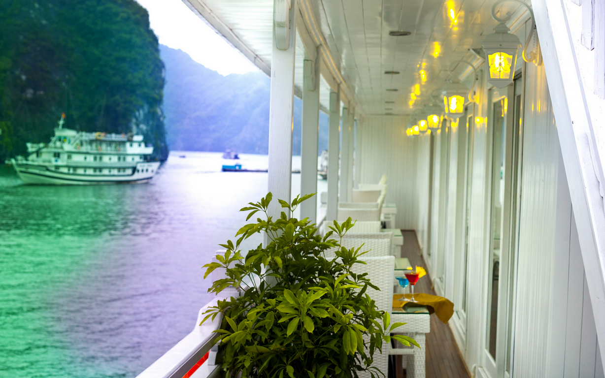 Corridor on Signature Halong Cruise