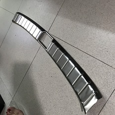 chong-tray-cop-trong-xe-mitshubishi-xpander-2018-2019