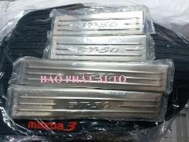 bac-trong-inox-xe-mazda-bt50