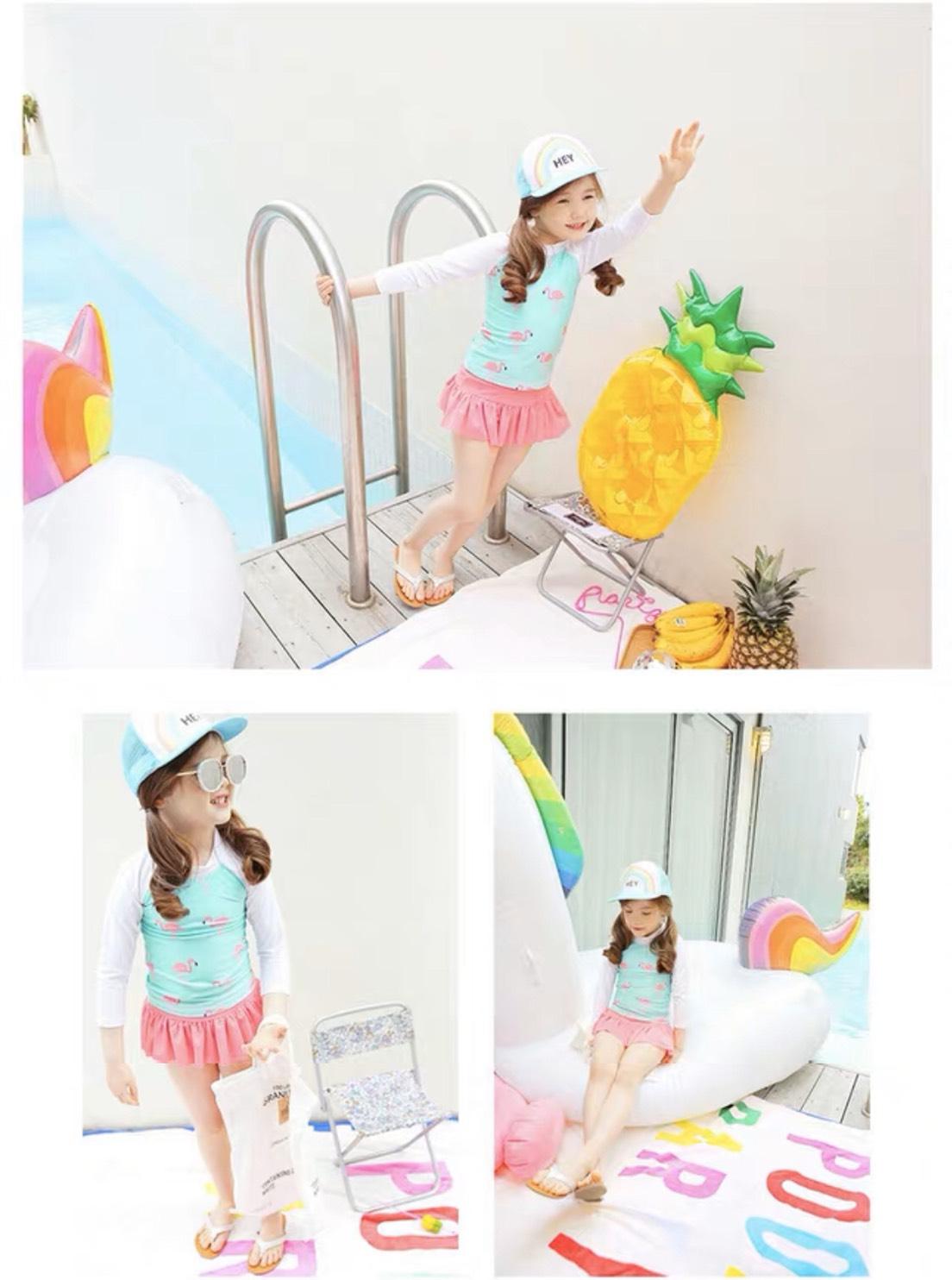 Set đồ bơi bé gái hình hồng hạc tay dài (áo xanh + váy + nón)
