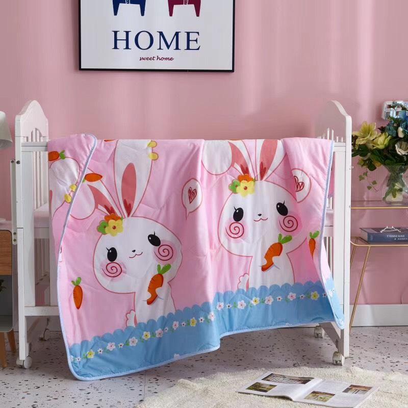 Chăn mền cho bé hình thỏ và cà rốt màu hồng