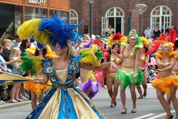 Ngắm Trang Phục Truyền Thống Của Brazil Trong Lễ Hội Carnival