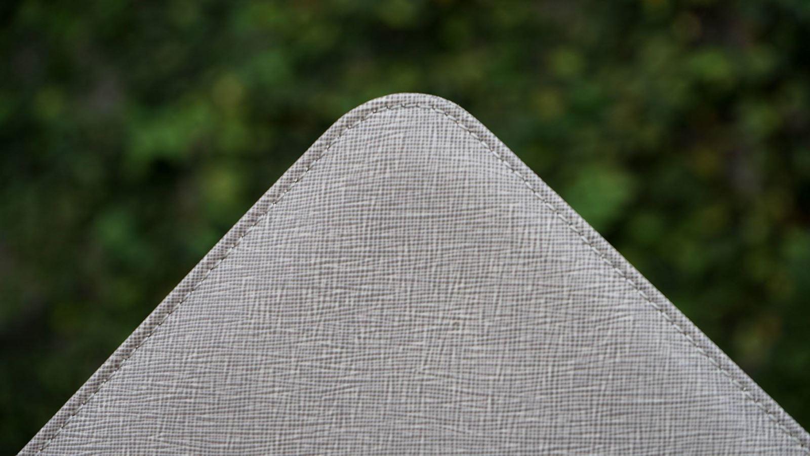 Michael Kors Sleeve - túi đựng MacBook cực sang trọng và độc đáo