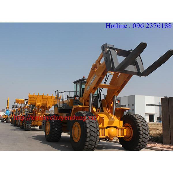 Xe nâng đá block hiệu JinGong, tải nâng 48 tấn.
