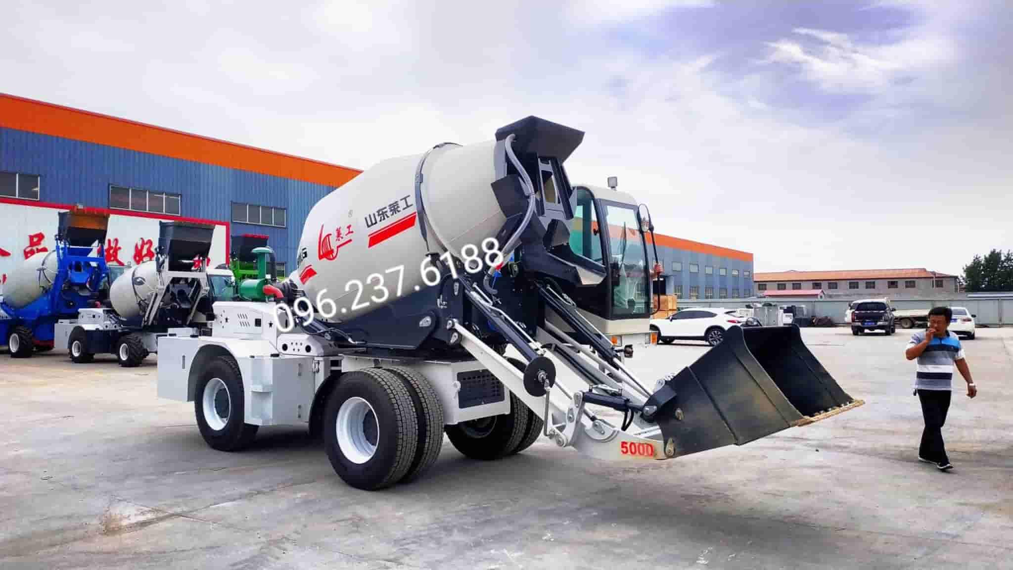 Xe trộn bê tông tự nạp liệu 5m3 Laigong H30