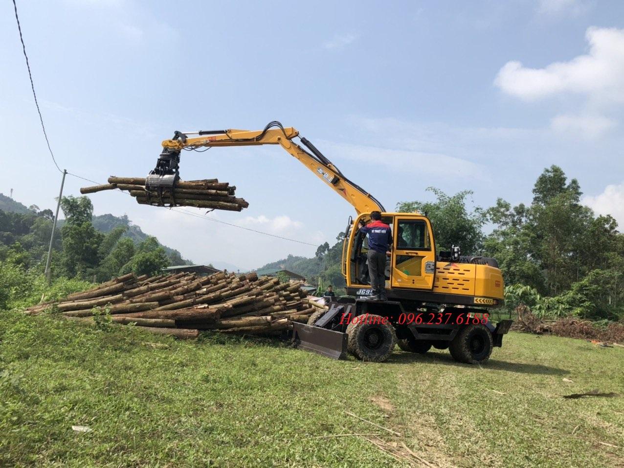 Máy xúc đào bánh lốp gắp gỗ Jinggong JG90Z
