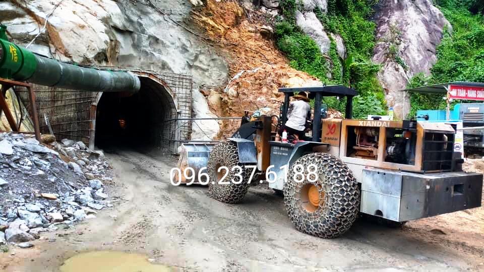 Máy Xúc Lật Chui Hầm 1,7m3 XIANDAI XD935