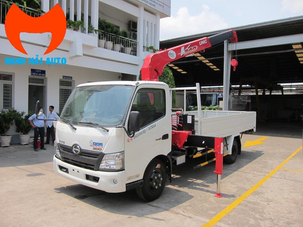 Xe tải gắn cẩu Unic 3 tấn UR-V343