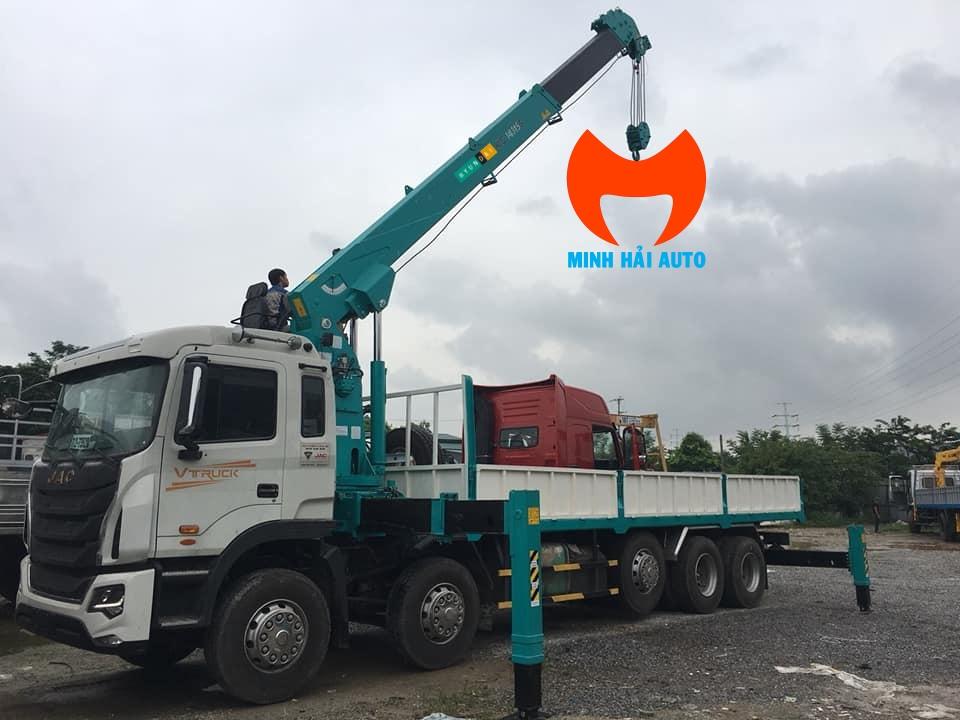 xe tải JAC gắn cẩu 14 tấn Hyundai Everdigm