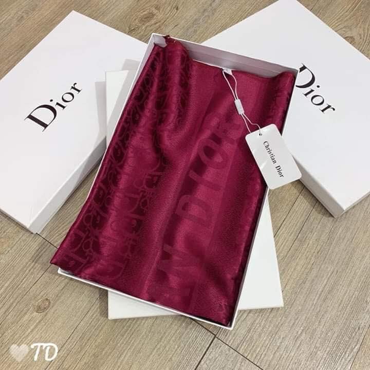 Khăn Dior