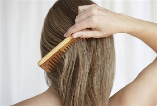 Hiệu quả tuyệt vời của chải tóc mỗi ngày Phòng khám Đông y Phúc Thành