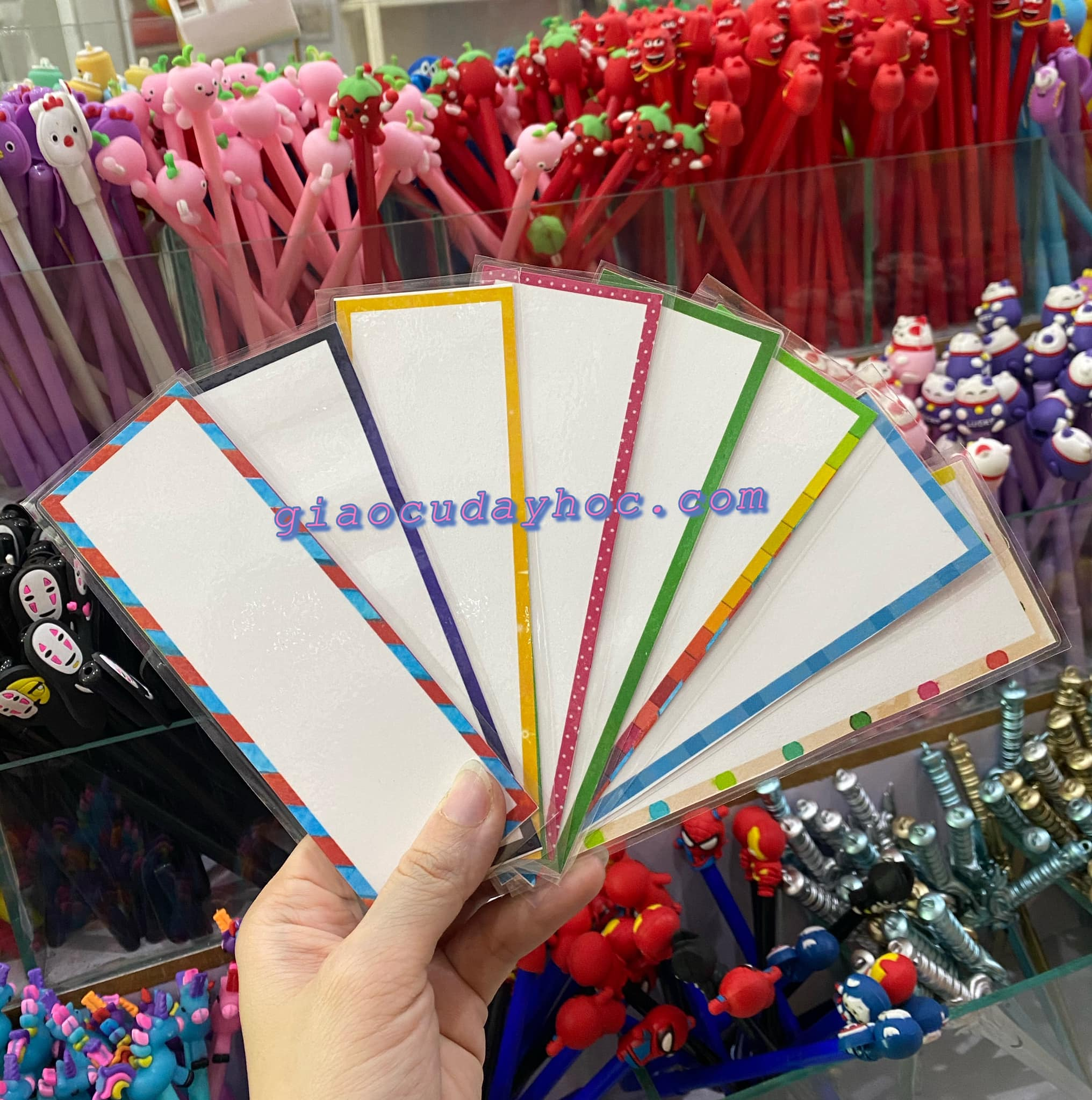 COLORFUL WORD CARDS