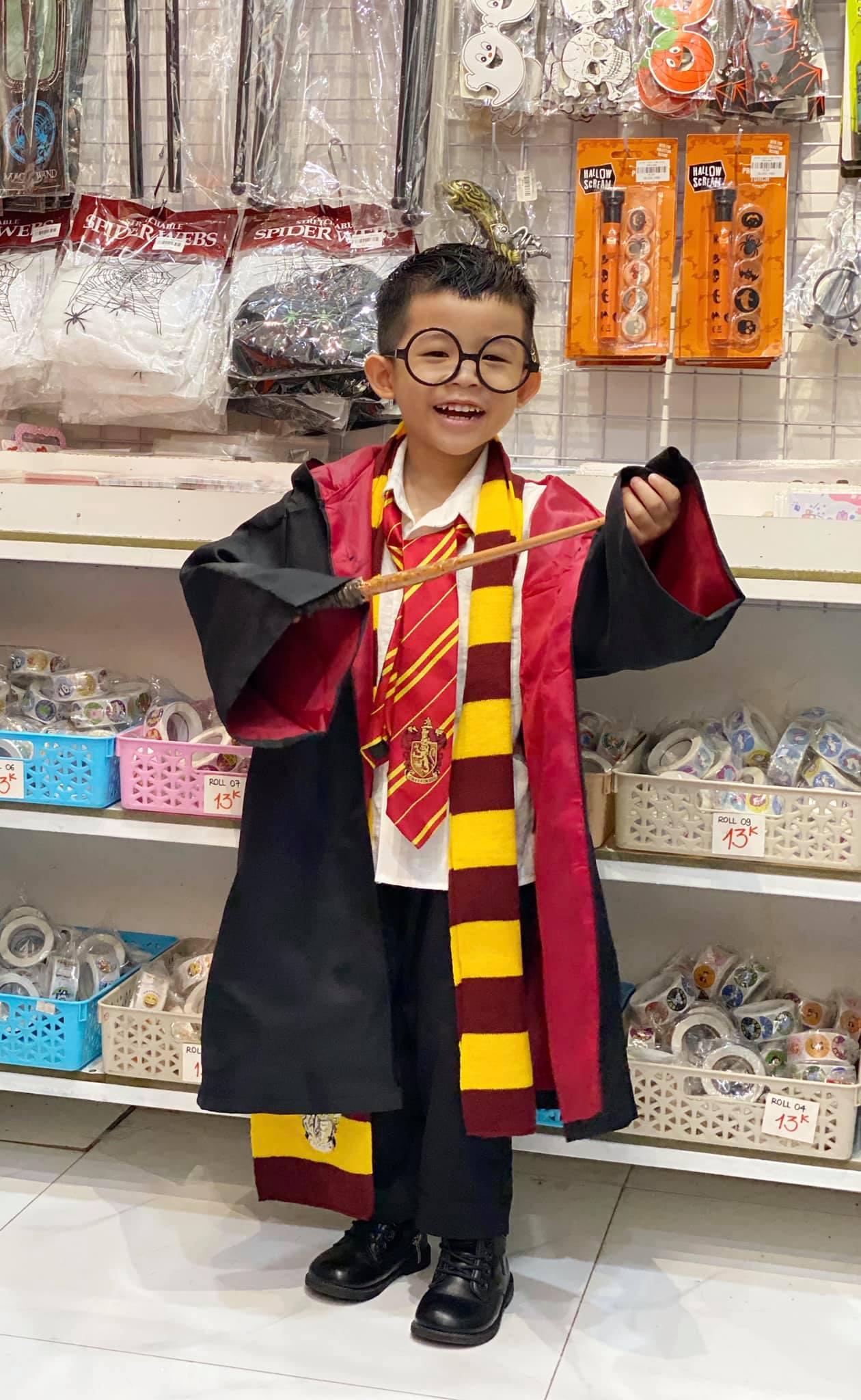 HL390 - Áo Choàng Harry Potter