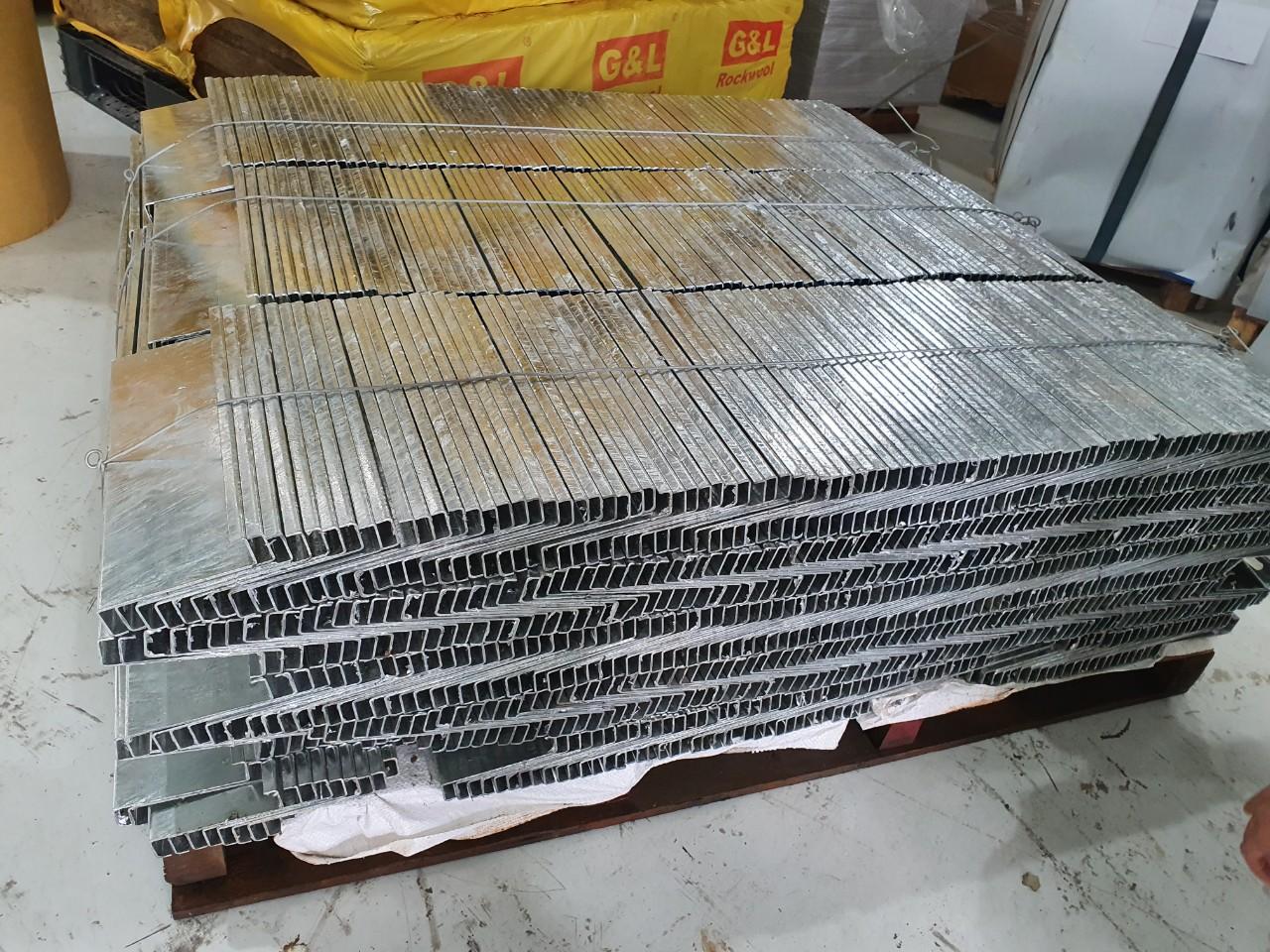 Sản xuất phụ kiện lắp đặt tấm pin năng lượng mặt trời
