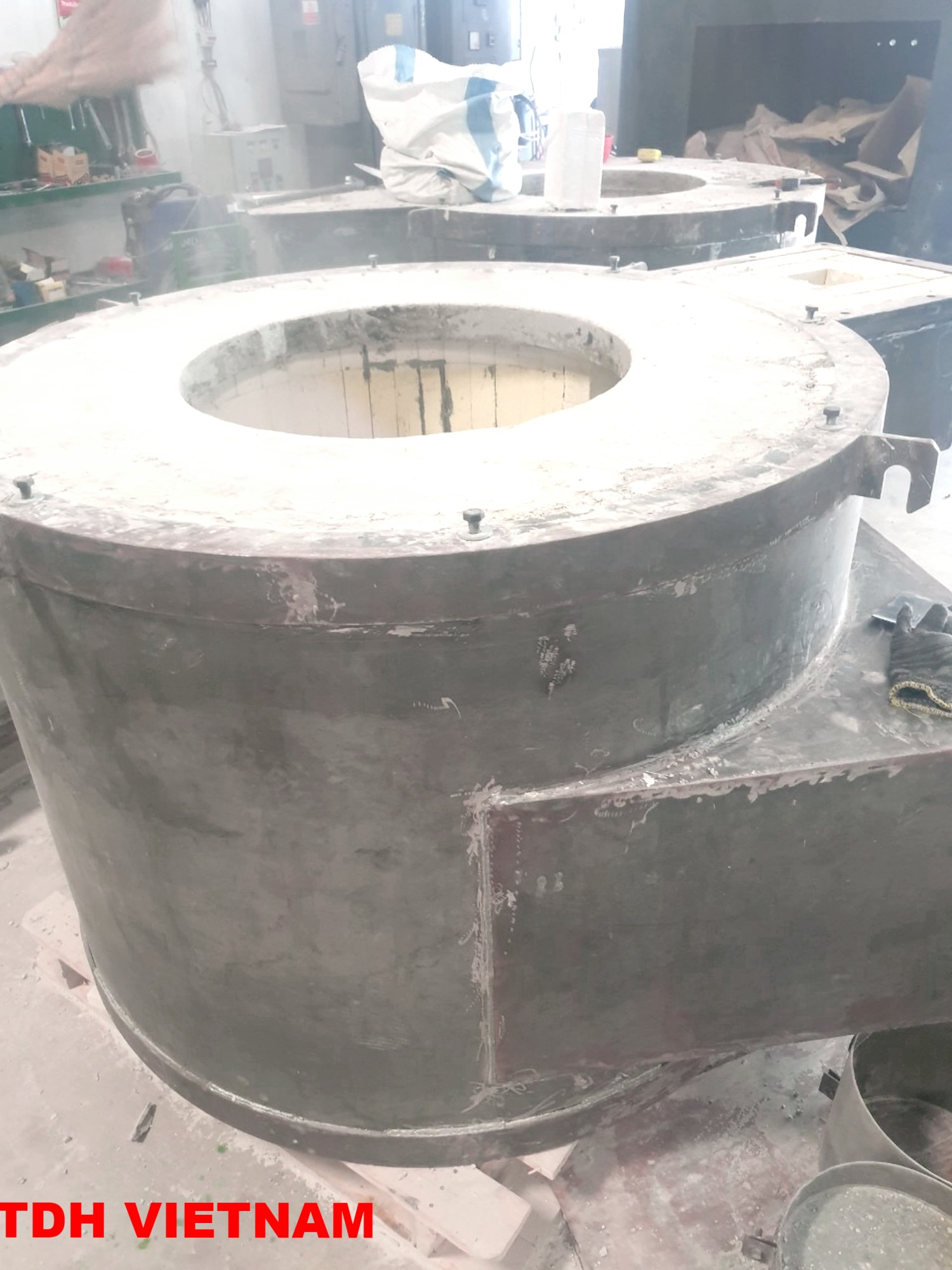 Lò gas nấu nhôm sử dụng nồi trữ lượng 100-1200 kg
