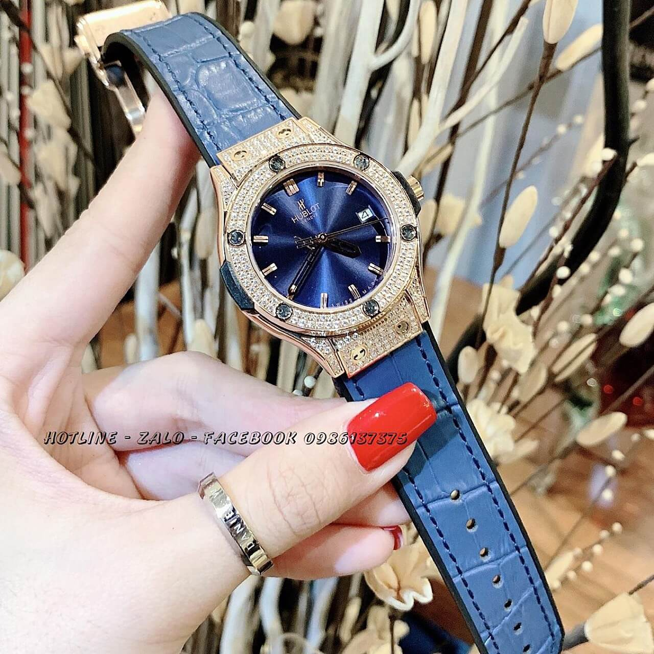 Đồng Hồ Hublot Nữ Da Silicon Blue Rose Gold 34mm
