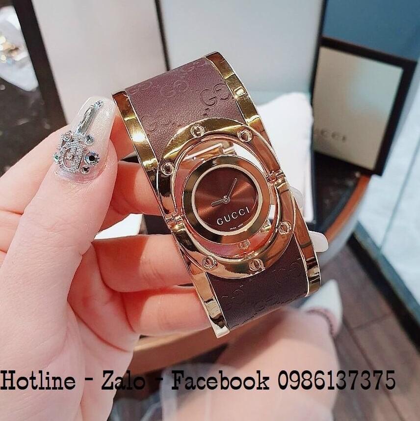Đồng Hồ Lắc Tay Nữ Gucci Kiềng Bảng To Nâu Vàng 36mm