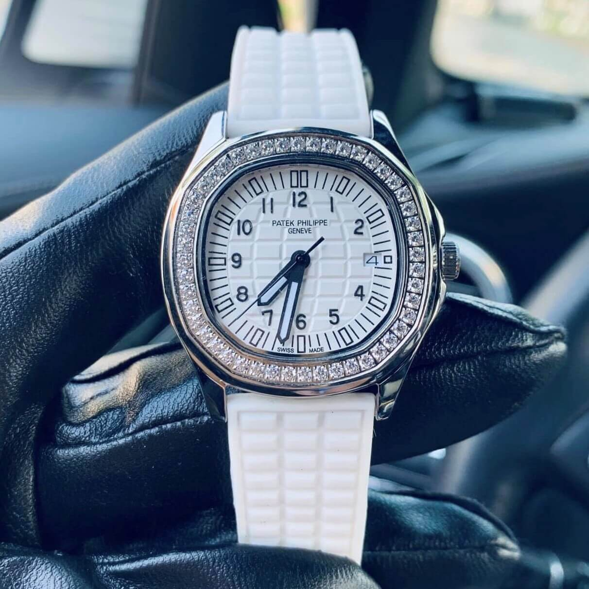 Đồng Hồ Patek Philippe Nữ Dây Silicon Trắng Silver 35mm