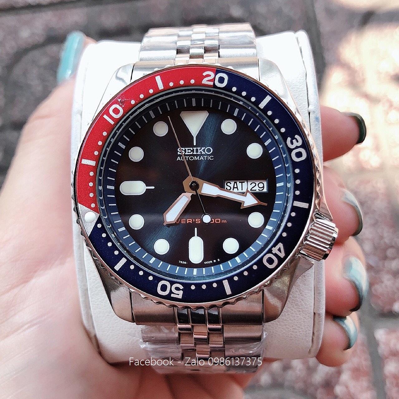 Đồng Hồ Seiko Nam Automatic Diver's 200m Xanh Đỏ