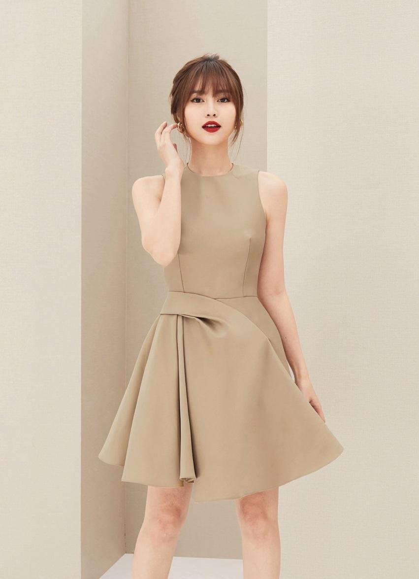Đầm xòe sát nách váy xếp ly #2378
