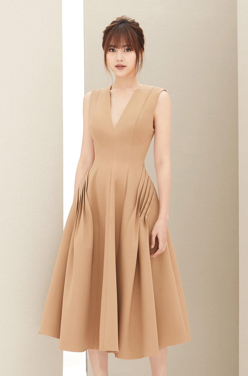 Đầm xòe cổ V xếp ly sườn váy thiết kế thanh lịch cao cấp #2389