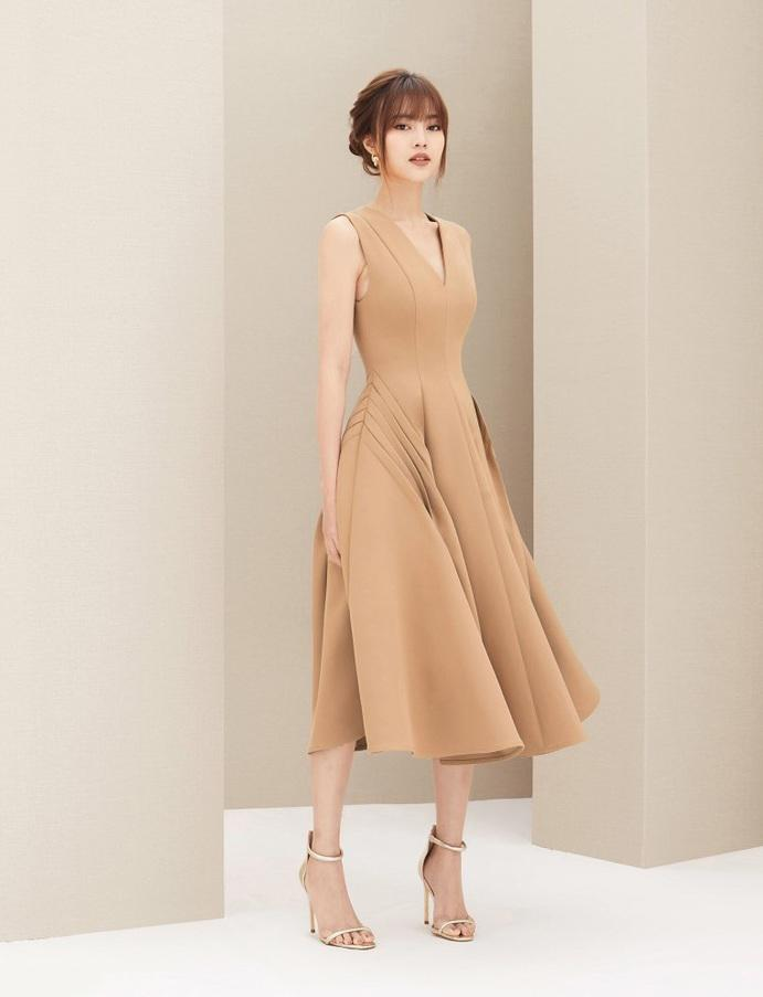 Đầm xòe cổ V xếp ly sườn váy #2389