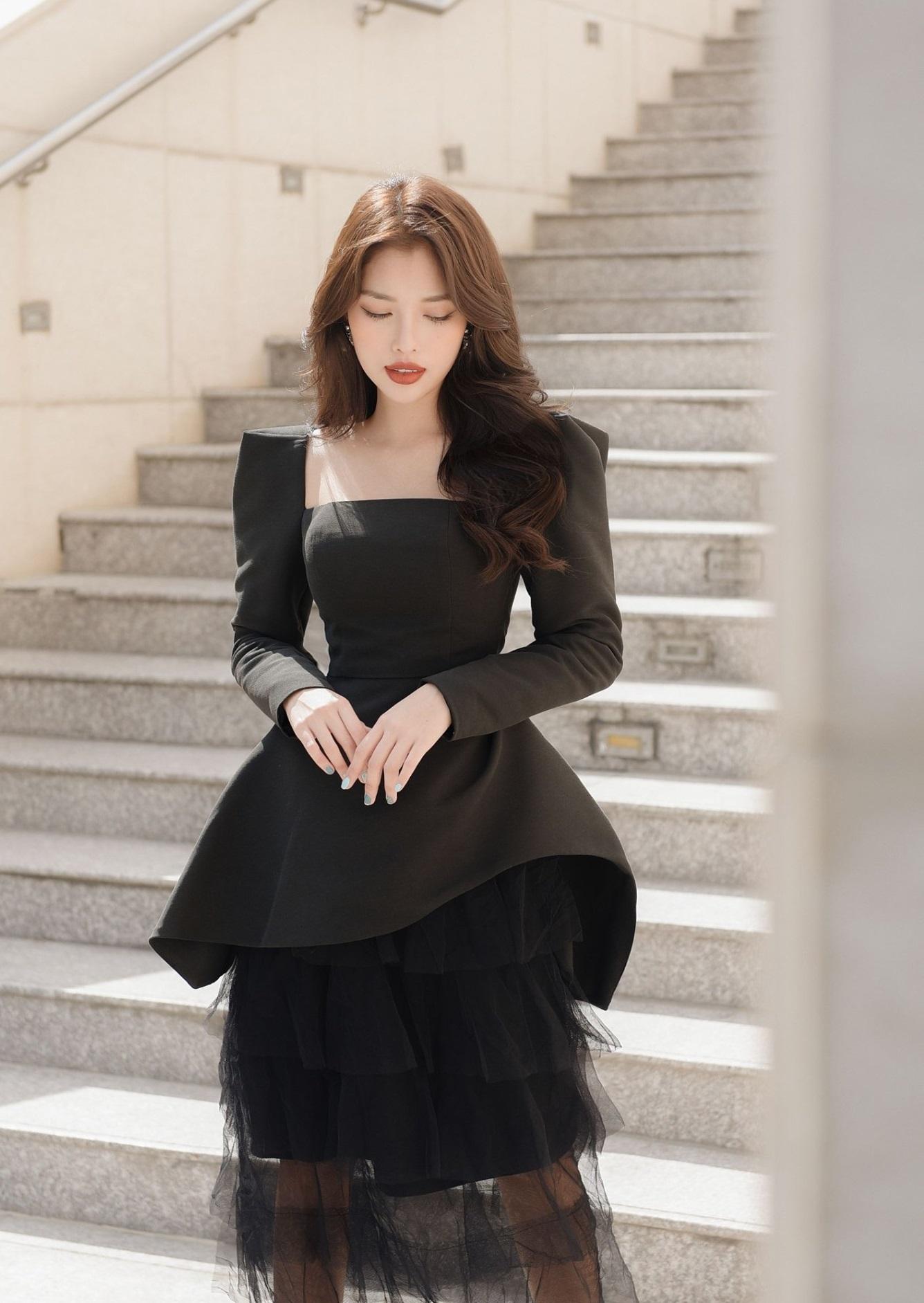 Set váy áo cổ vuông tay dài
