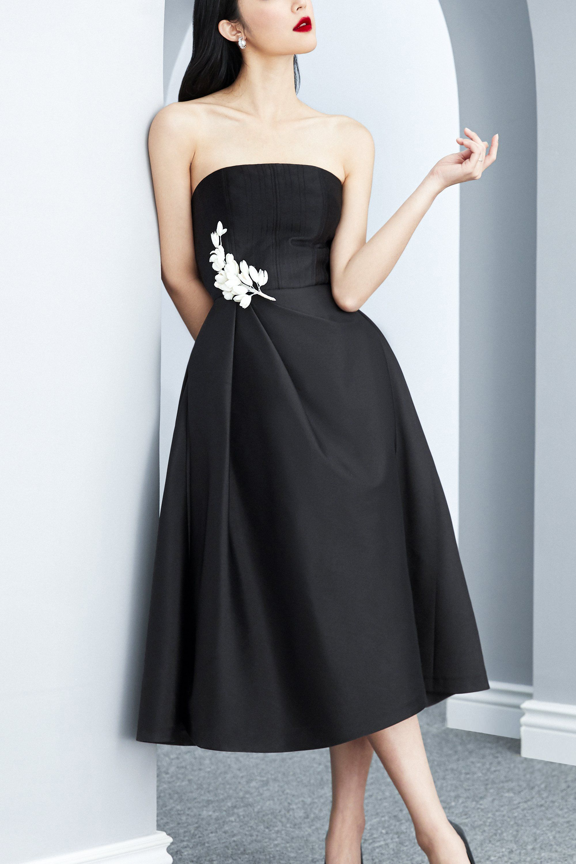 Đầm xòe cúp xếp ly eo cài hoa #2591