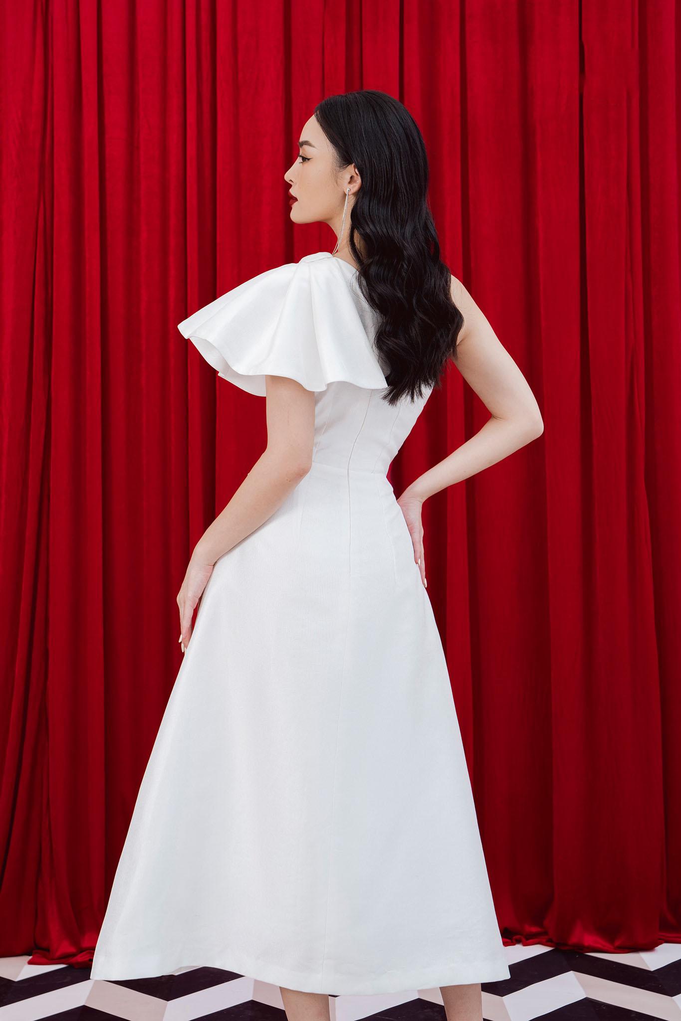 Đầm xòe lệch vai xếp ly eo #2889