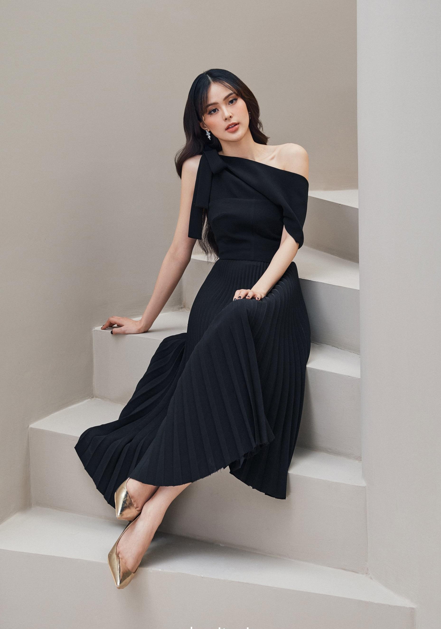 Đầm xoè lệch vai chân váy dập ly #2947