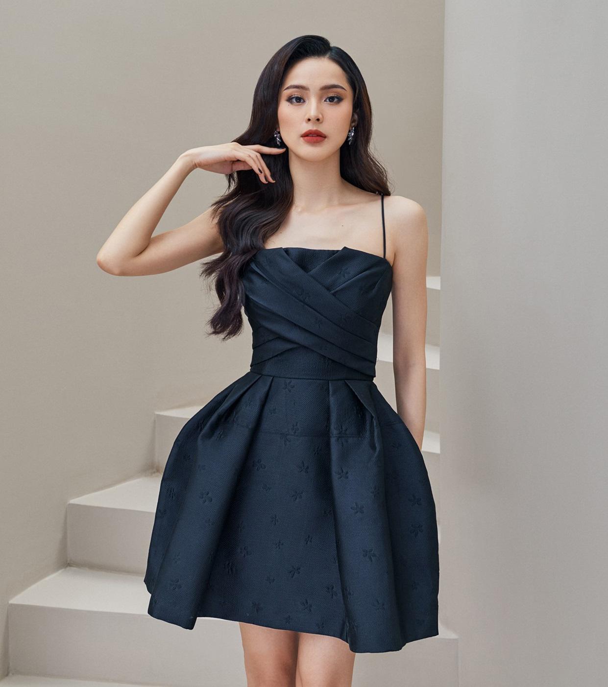 Đầm xoè ngắn 2 dây cánh quạt #2917