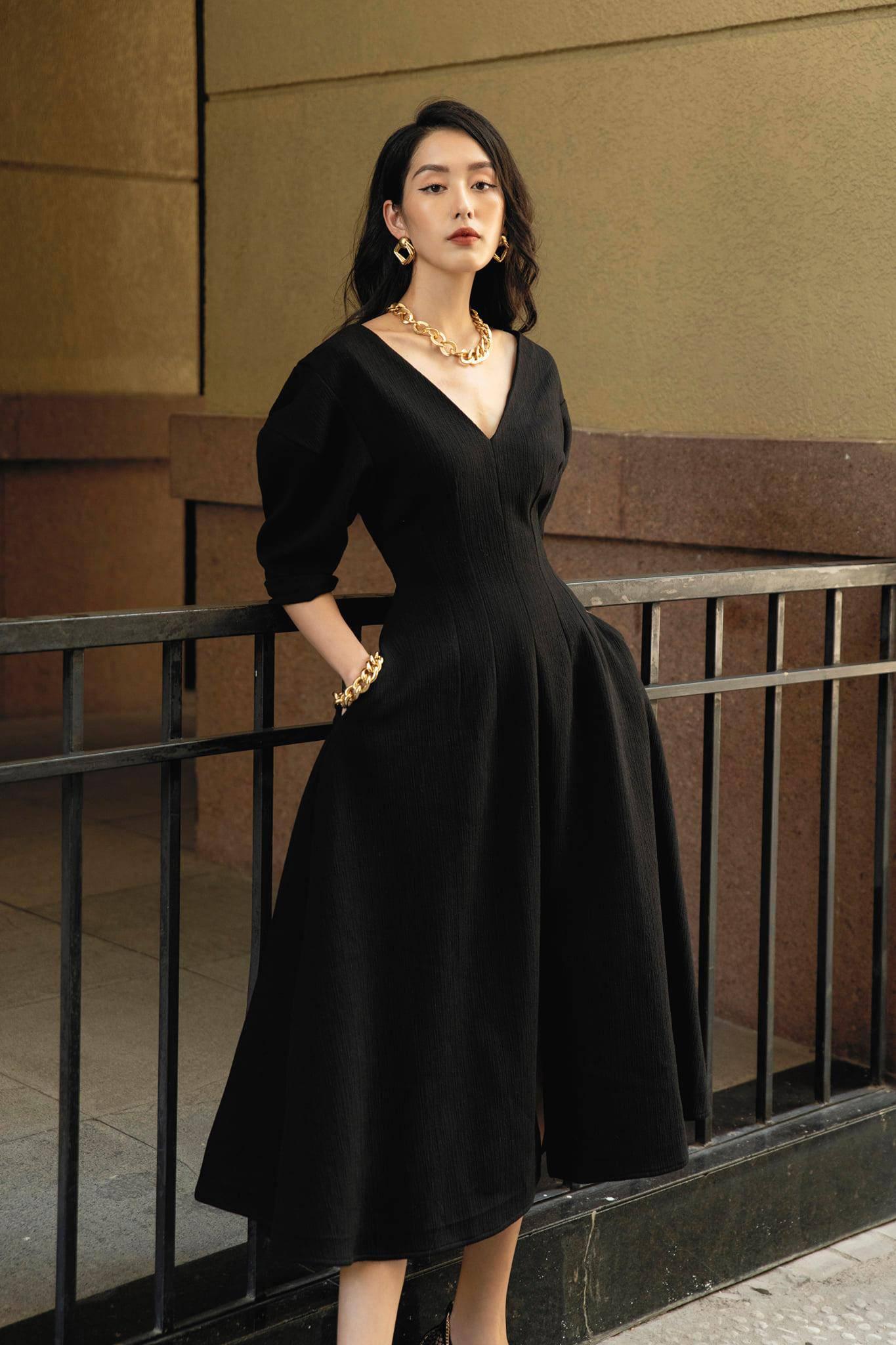 Đầm xoè cổ V tay phồng #2791