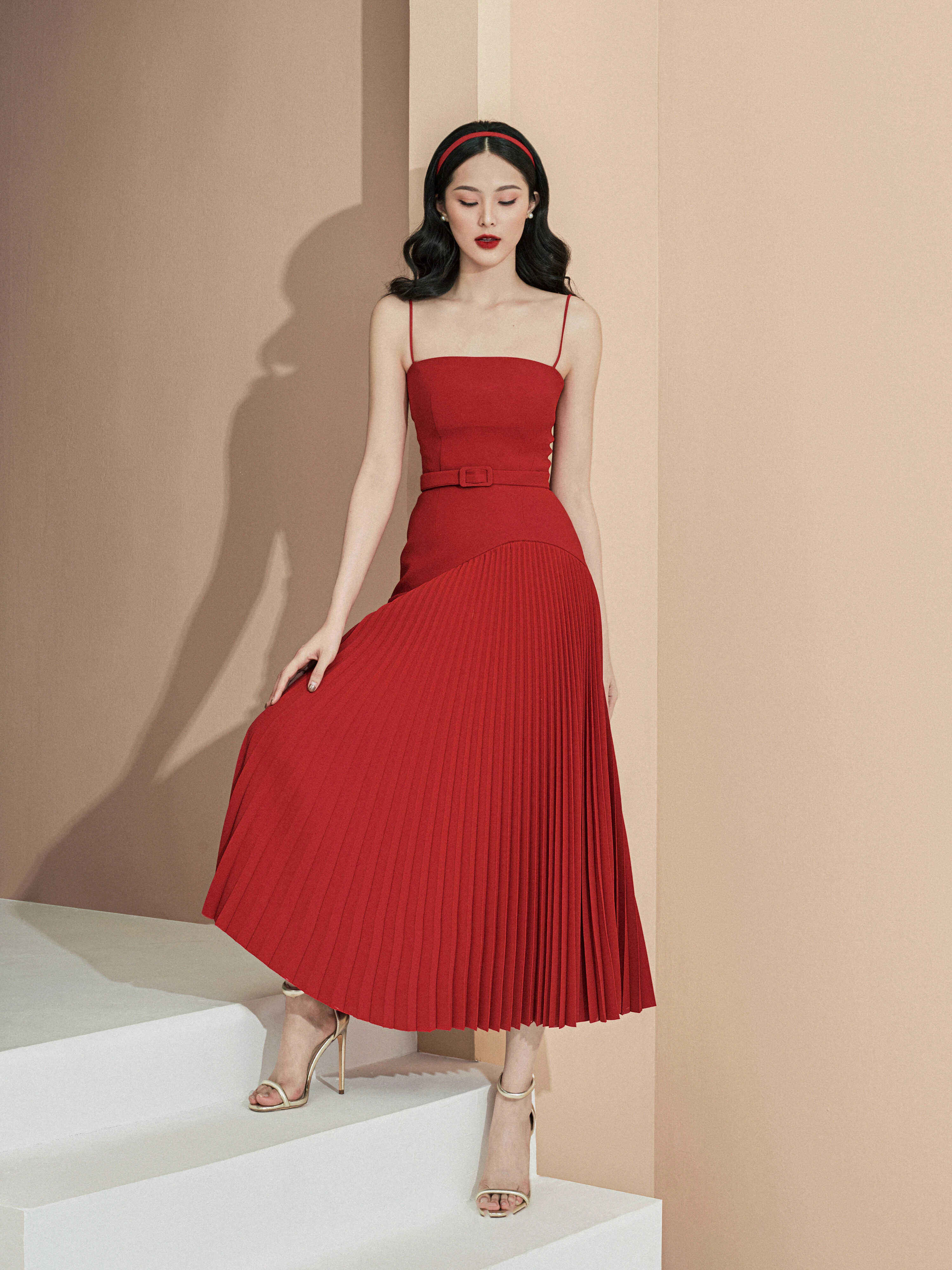 Đầm 2 dây váy A dập ly