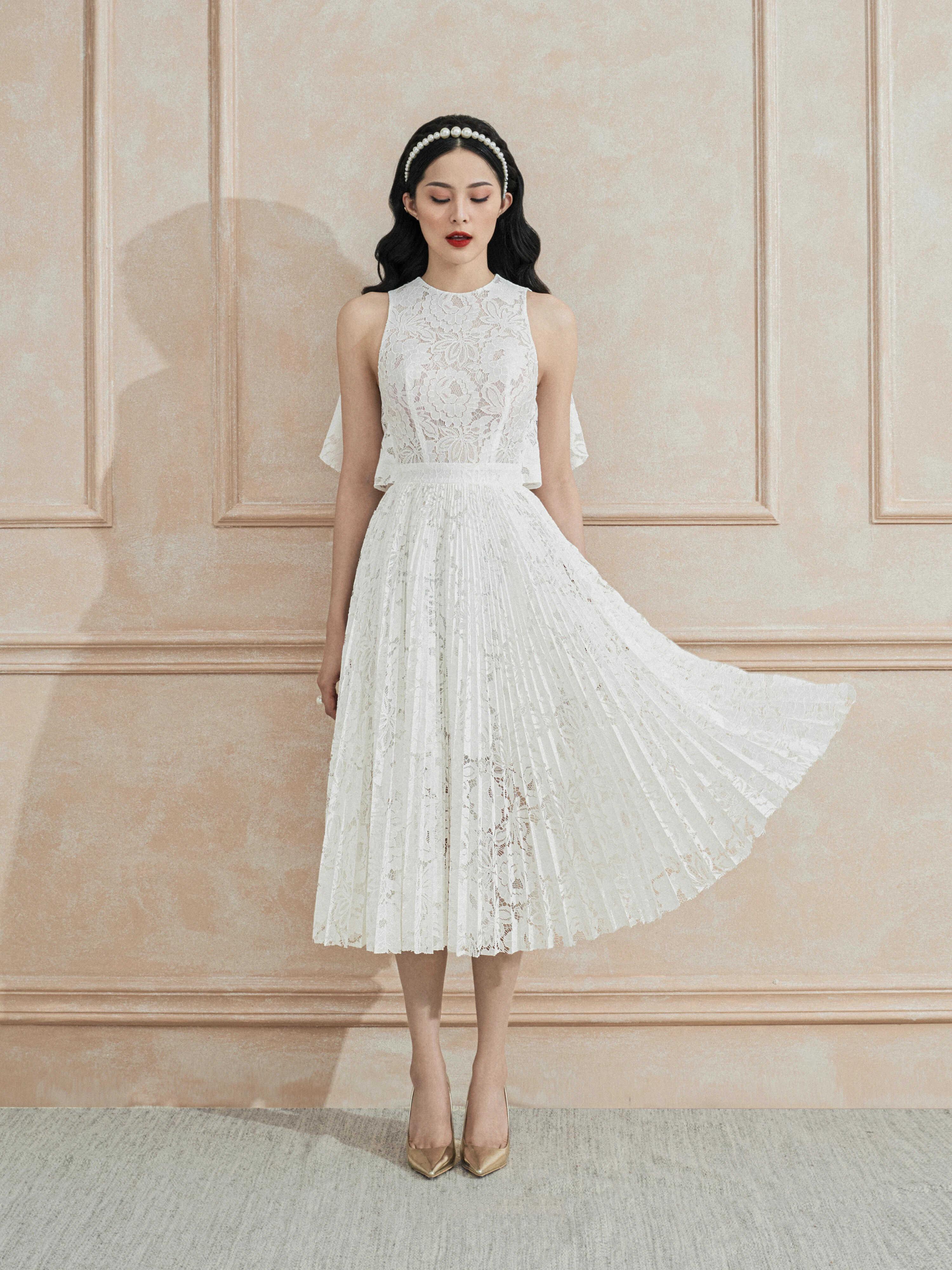 Đầm xoè ren dập ly áo choàng #2818