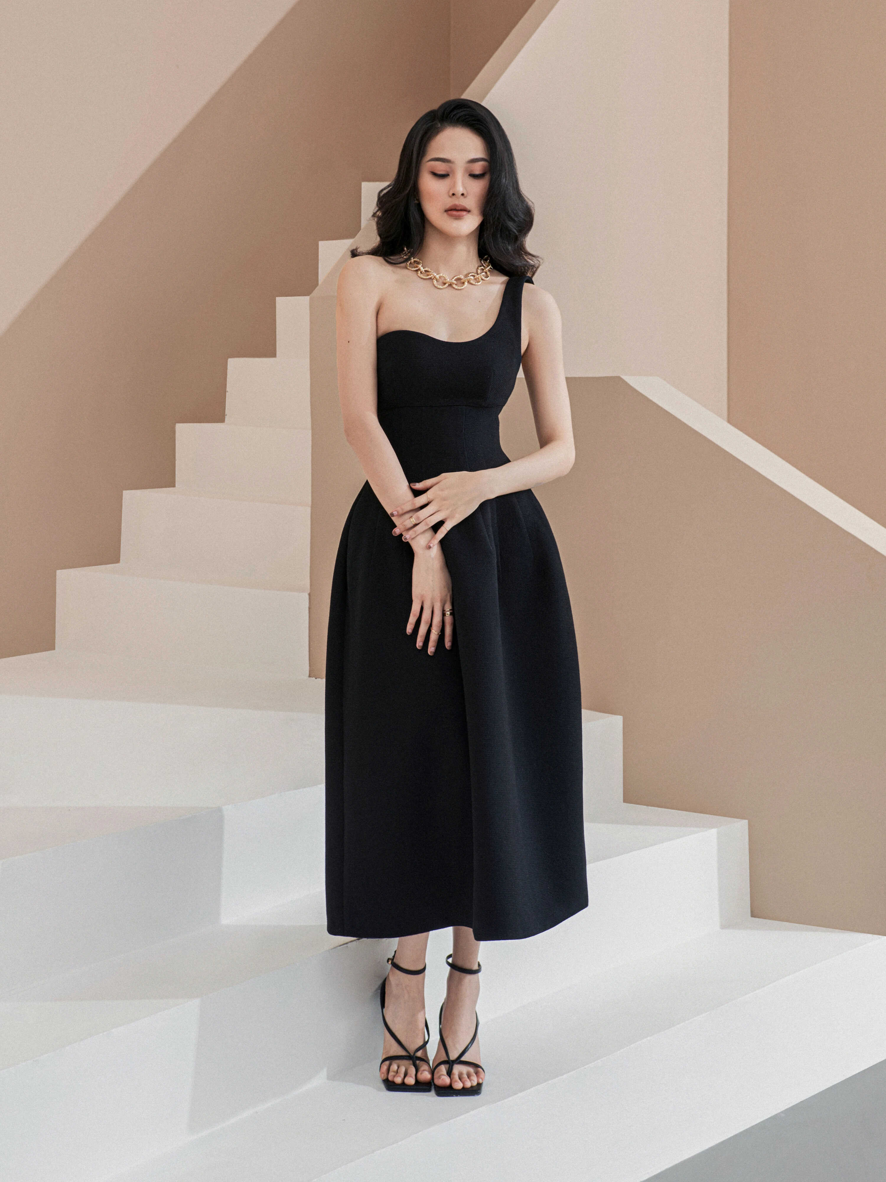 Đầm xoè dài lệch vai #2826