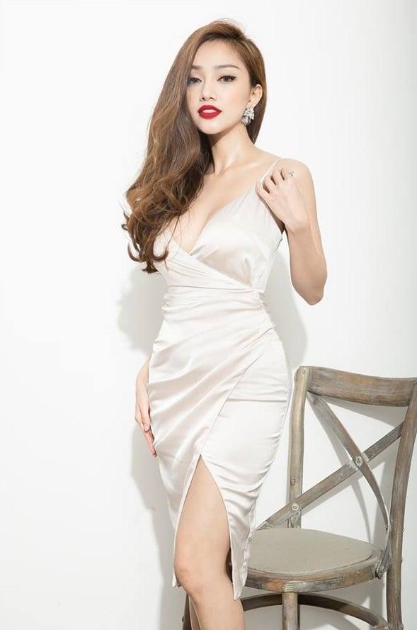 Đầm ôm body 2 dây chéo tà #758