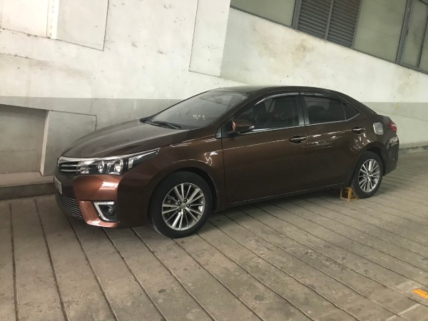 Toyota Altis 2015