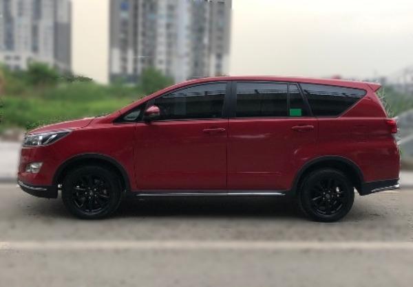 Toyota Innova Venture 2018 AT