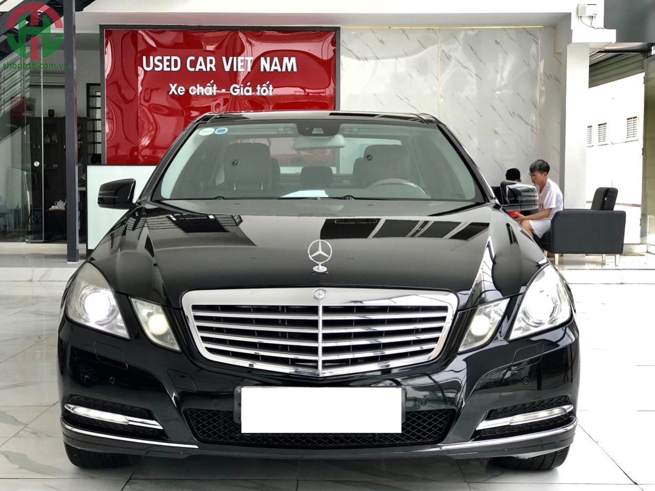 Mercedes E300 2011 màu Đen