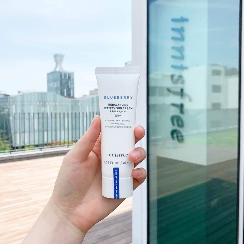 Chống Nắng Innisfree Blueberry Rebalancing Watery Sun Cream SPF45 PA+++ 40ml