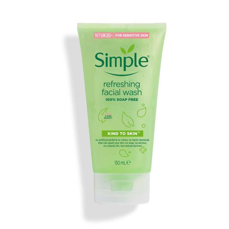 Sữa Rửa Mặt Cho Da Nhạy Cảm Simple Refreshing Facial Wash 150Ml
