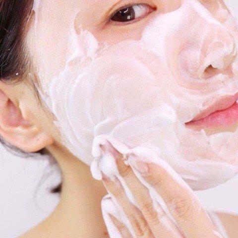 Sữa Rửa Mặt Lựu Đỏ Innisfree Jeju Pomegranate Revitalizing Foam Cleanser 150ml