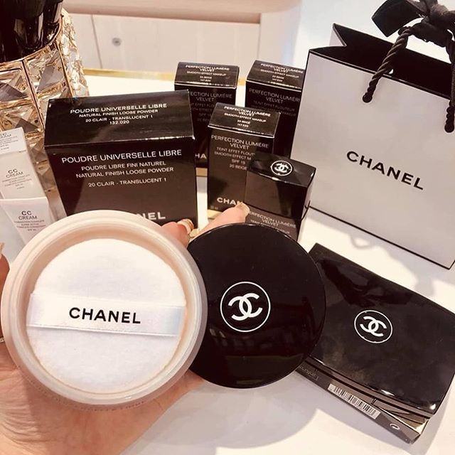 Phấn Bột Chanel Poure Universelle Libre 20 Clair 30G